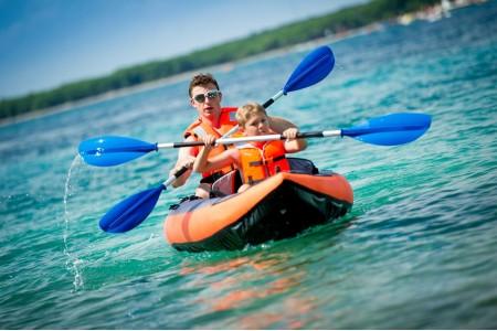 Спасательный жилет: безопасность и приятный отдых